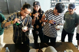 Latte Art Throw Down Komunitas Barista BISC